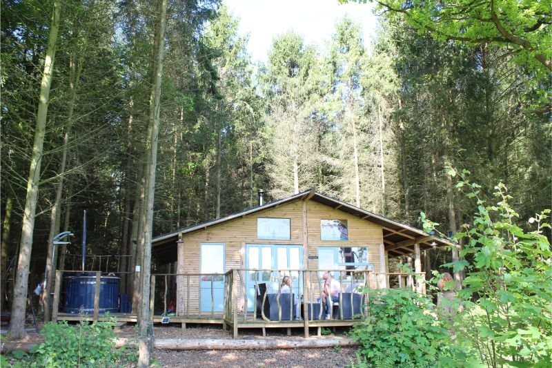 woodland lodges with hot tub Thirsk