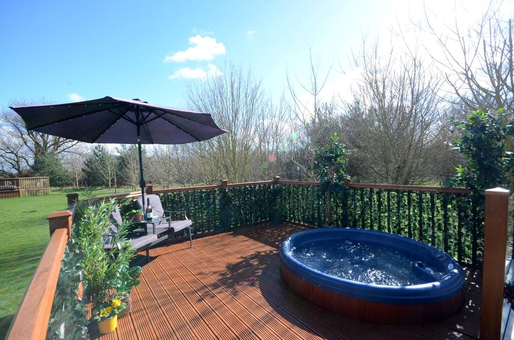 lodges with hot tubs north yorkshire