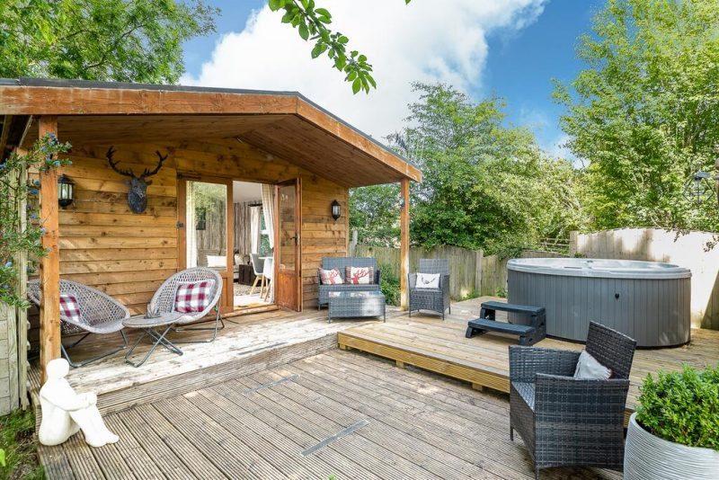 lodges with hot tubs bath