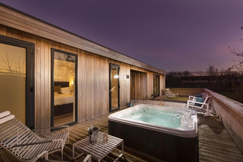 lodges with hot tubs near Bath, Somerset