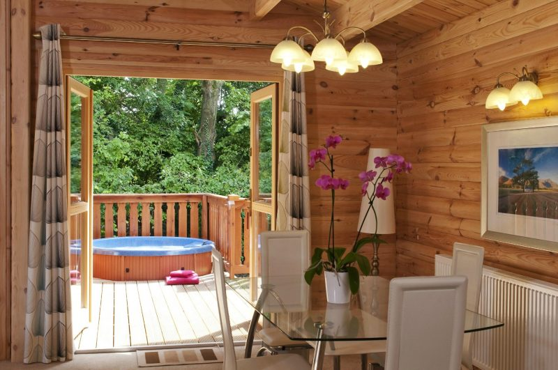 Lodges with Hot Tubs Hampshire 1