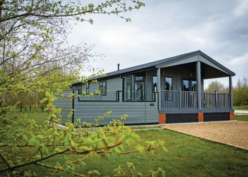 lodges with hot tub Suffolk