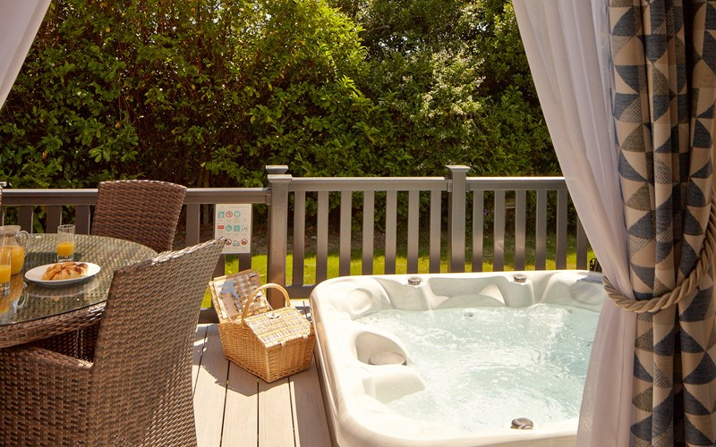 lodges with hot tubs Isle of Wight