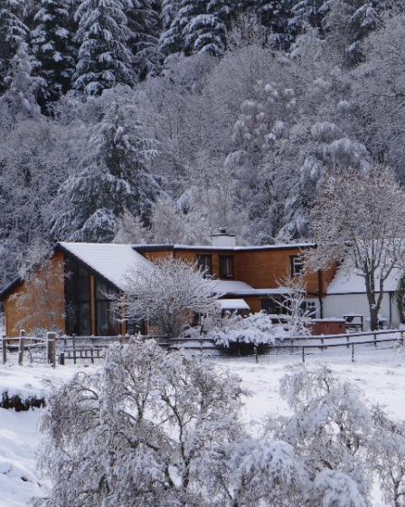 lodges with hot tubs aviemore