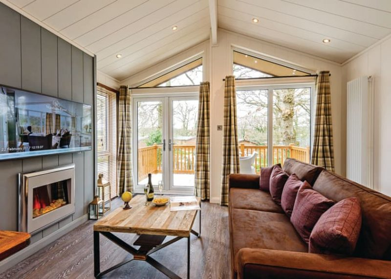 lodges with hot tubs dorset