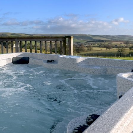 log cabins and lodges with hot tubs edinburgh