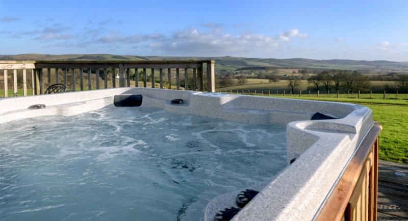 log cabins and lodges with hot tubs scotland