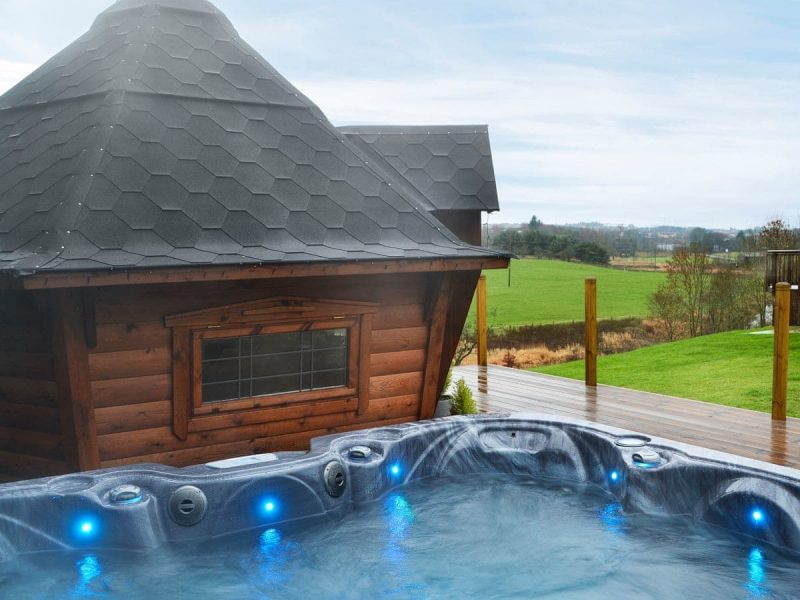 Scottish log cabins and lodges with hot tubs
