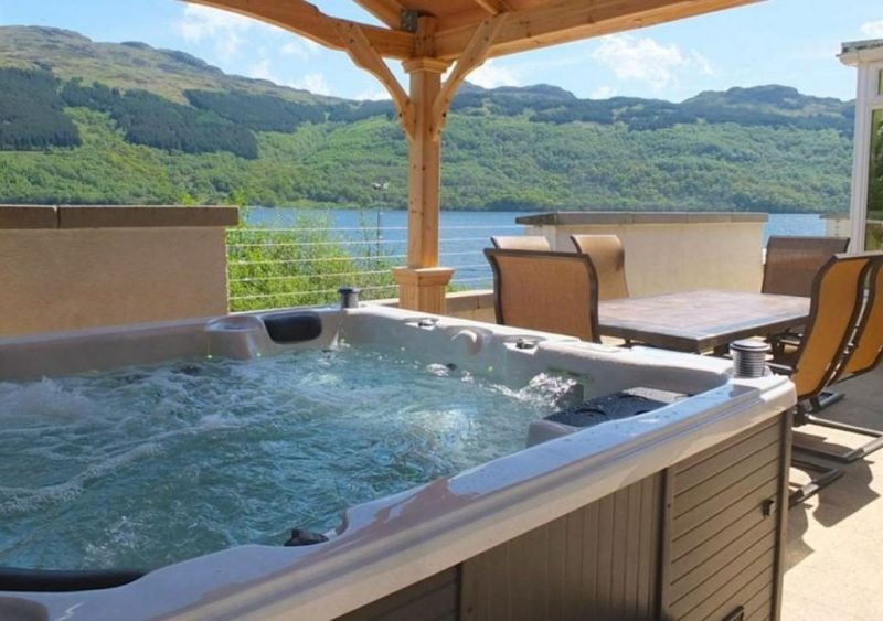 log cabins with hot tubs Scotland