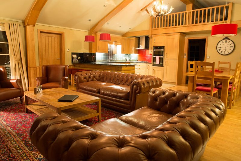 lodges with hot tubs near Chester Zoo