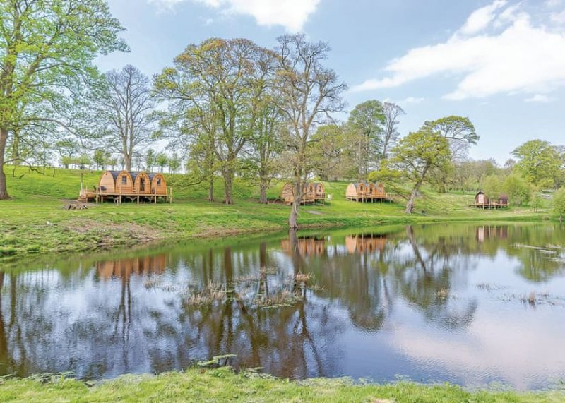 lodges with hot tubs north east