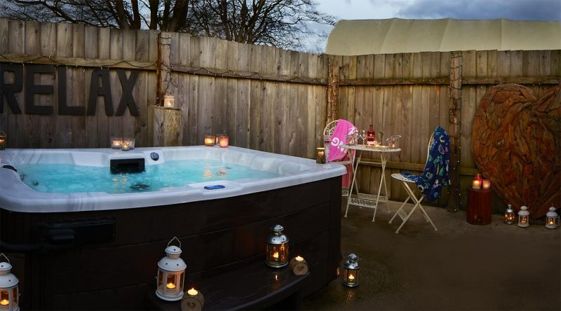 lodges with hot tubs scarborough