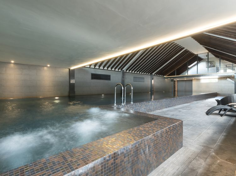 luxury lodges with hot tubs