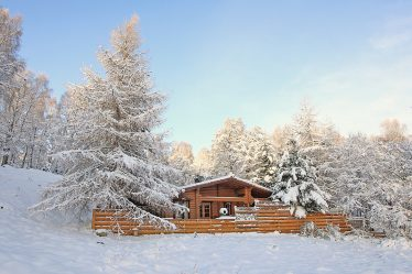 log cabins with hot tubs and open fire scotland