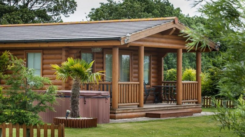 log cabins with hot tubs bridlington
