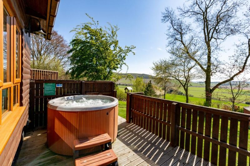 log cabins and lodges with hot tubs fife