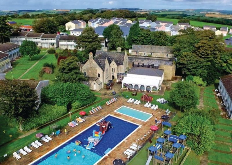 lodges with hot tubs newquay
