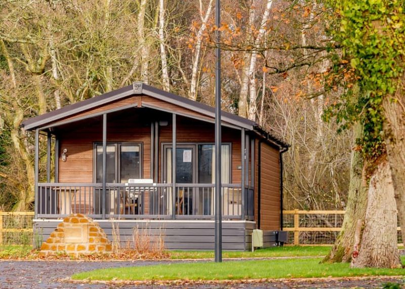 Lodges with Hot Tubs kid friendly