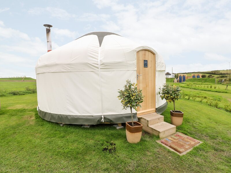 lodges with hot tubs tenby