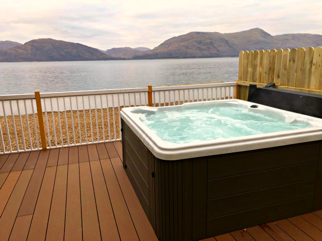 lodges and log cabins with hot tubs glencoe