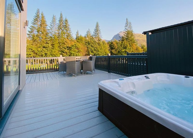 lodges with hot tubs inverness