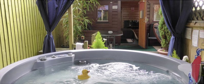 log cabins with hot tubs new forest