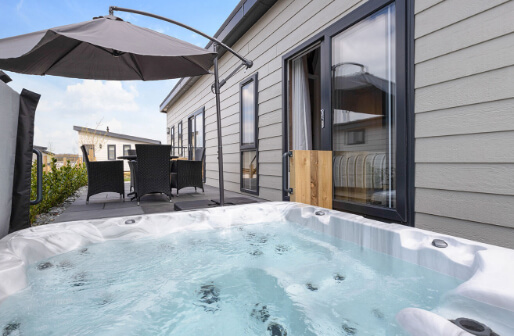 lodges with hot tubs new forest