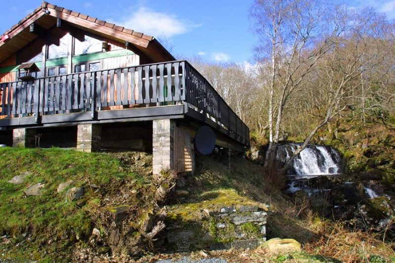 log cabins with hot tubs loch tay