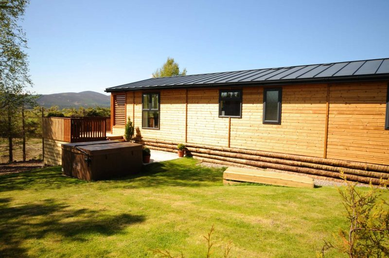lodges with hot tubs aberdeenshire