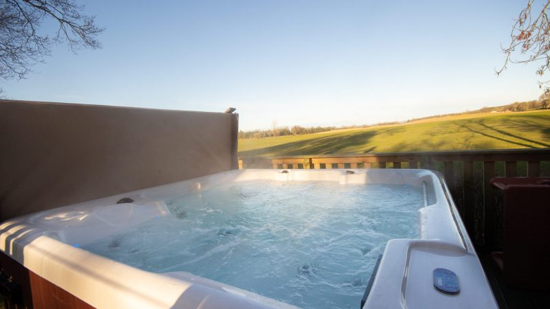 lodges with hot tubs scotland
