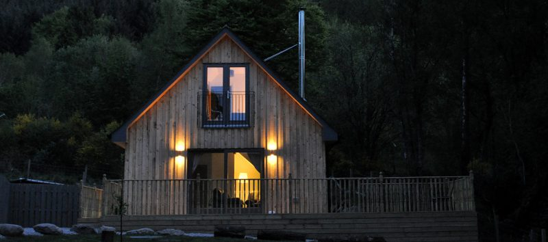 log cabins and lodges with hot tubs in scotland