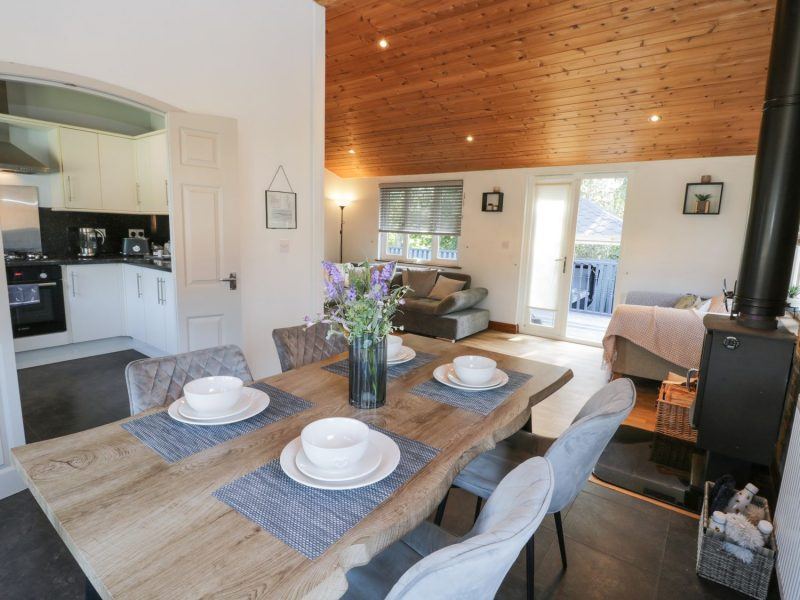 dog friendly log cabins with hot tubs yorkshire